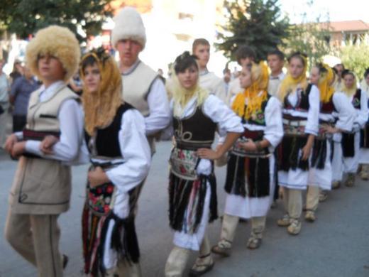 http://www.odlican.com/d/10618-2/tradicionalna+povorka.jpg