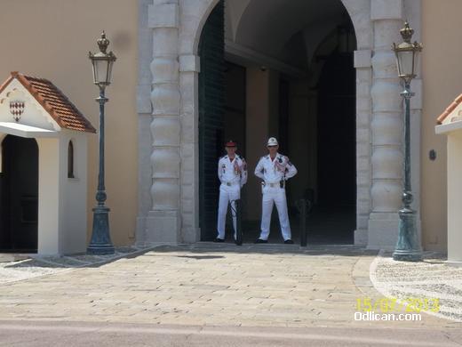 http://www.odlican.com/d/15415-3/Karabonjeri.JPG