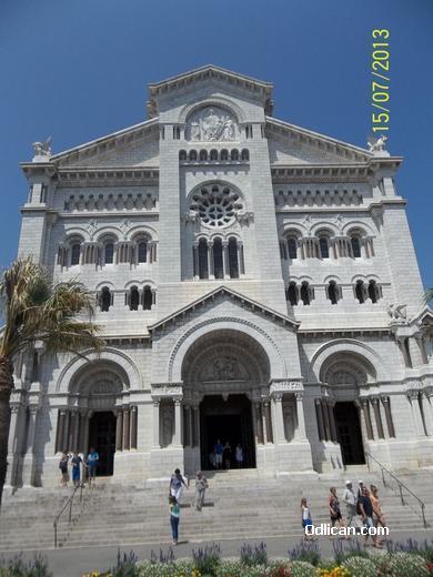 http://www.odlican.com/d/15419-3/Monako+katedrala.JPG